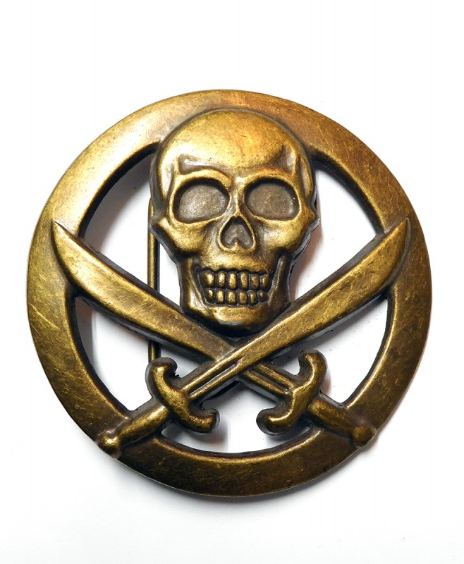 "USED GOODS ""PIRATES SKULL BACKLE"""